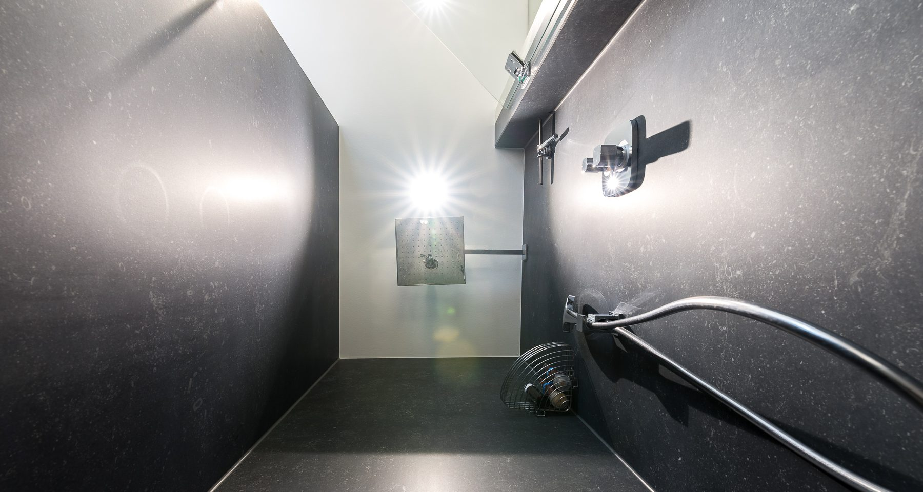 Großformat_Duschbereich